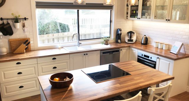 White Shaker Kitchen with timber benchtops