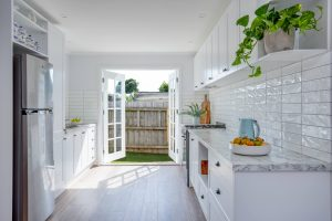 What Colour Cabinets Make a Kitchen Look Bigger