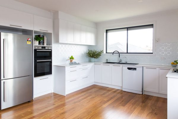 shaker style kitchen in white